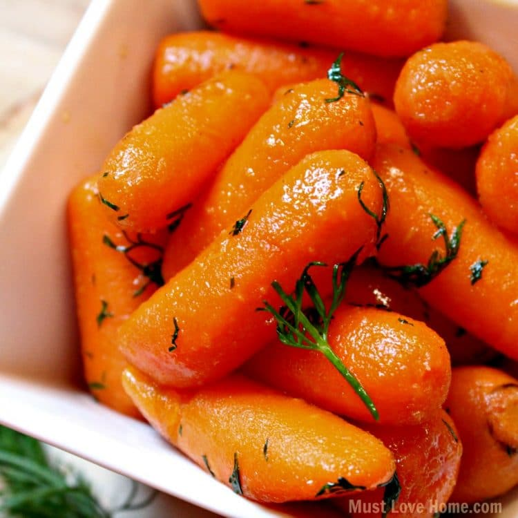Love carrots? With just 5 ingredients, these Honey Dill Glazed Carrots can be on your table in about 20 minutes! You can have Bistro quality carrots from you own kitchen! And your family will LOVE them!