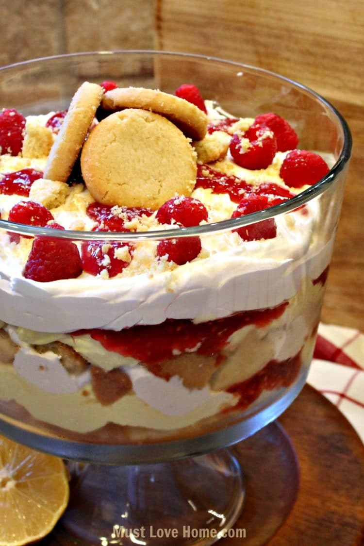 Easy Lemon Raspberry Trifle that looks like it took hours to make. Assemble this in just a few minutes and you have a dessert that is fancy enough for company! | Mustlovehome.com