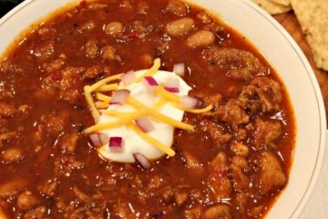Texas Chicken Chili is a mouth-watering blend of chicken, beans and loads of zesty flavors. Bring a little of the Lone Star state to your kitchen!