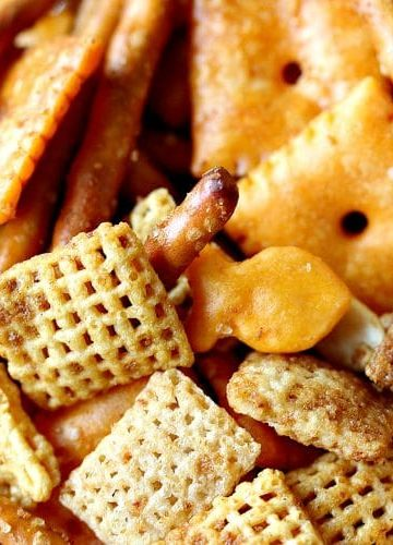 BOLD SNACK MIX - Great for parties, game day or anytime you want a spicy robust treat that will be eaten by the handful!