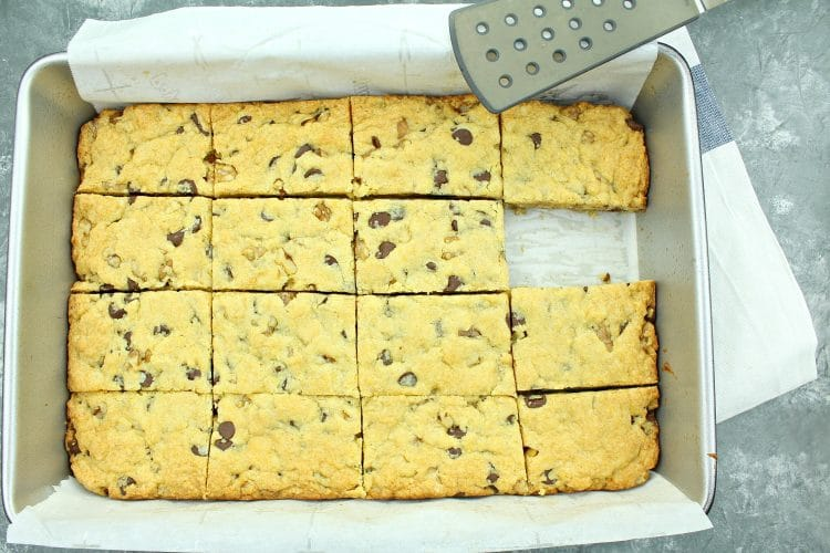 Walnut Chocolate Chip Cake Mix Bar Cookies - a simple and delicious recipe that uses only 5 ingredients.
