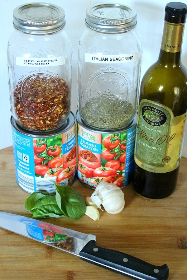 10 minute marinara sauce ingredients tomatoes, olive oil, garlic, basil, spices