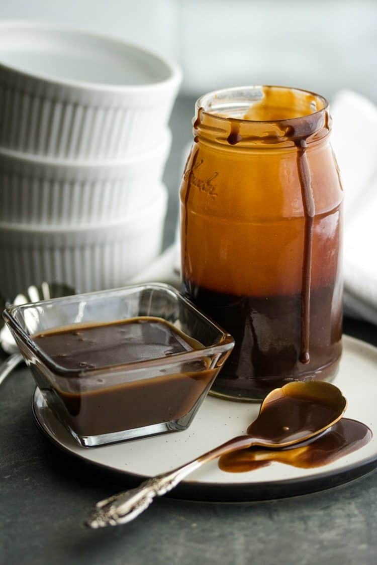 Rich and velvety smooth, this cocoa powder based sauce served hot or cold, adds the right finishing touch to any ice cream sundae or dessert.