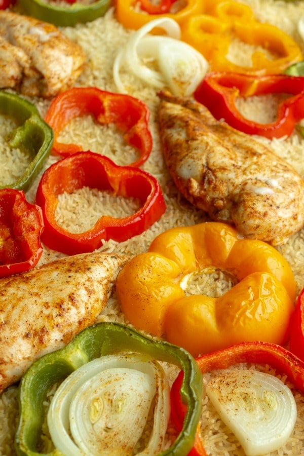sheet pan chicken fajitas peppers and rice