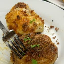 Crispy Oven Baked Chicken Thighs recipe is full of incredible flavor in every bite. With a combination of tender chicken, garlic, paprika and Italian seasoning.
