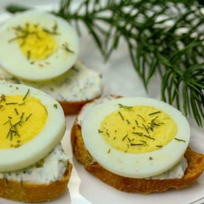 Easy Egg Dill Crostini Appetizer