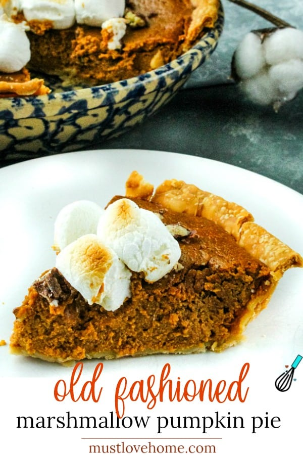 The BEST old fashioned pumpkin pie recipe! Make it easy with canned pumpkin puree, sweetened condensed milk and lots of seasonal spices. #mustlovehomecooking