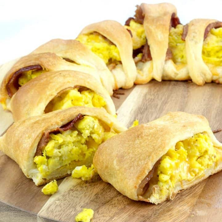 Sliced cheesy bacon egg breakfast crescent ring