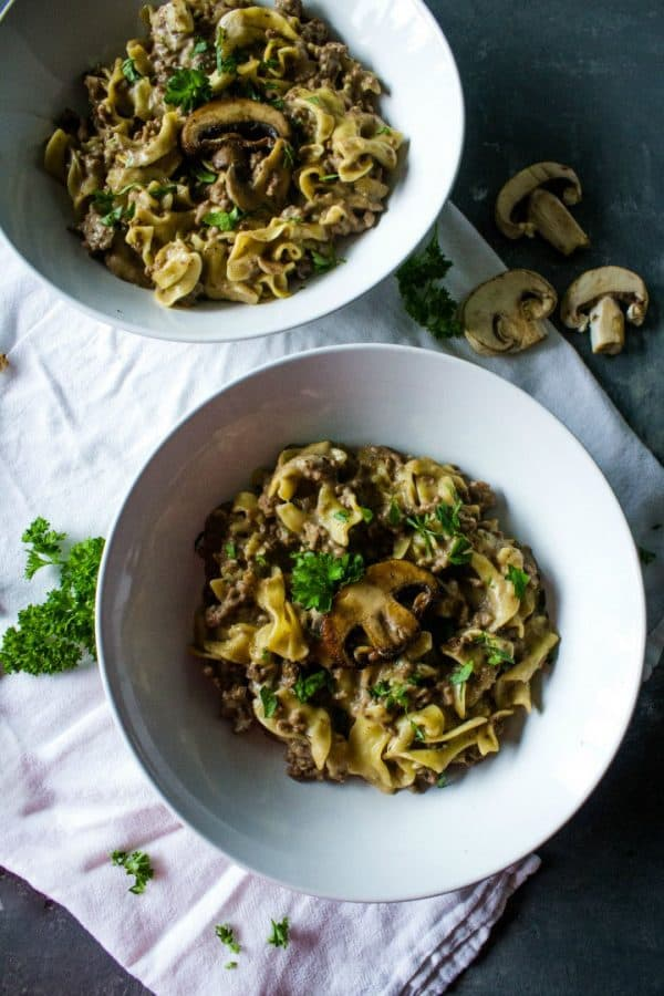 ONE POT BEEF STROGANOFF - is weeknight dinner made easy! Everyone's favorite ground beef stroganoff dish cooked in just one pot.