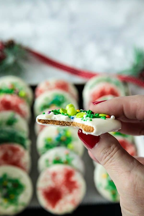 White Chocolate Gingerbread Crisps - thin gingerbread wafers, flavored with brown sugar, molasses and spices, covered with white chocolate and decorated with festive sprinkles. Merry and bright for the holidays!