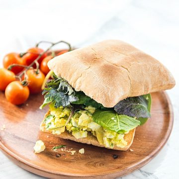 Avocado Egg Salad - fresh and healthy, filled with herbs and a touch of mayo! Super tasty on a toasted ciabatta roll!