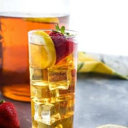 Taste the sunshine with refreshing Homemade Sun Tea. It's easy, with only a minute of prep! #mustlovehomecooking