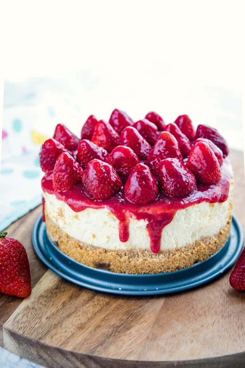 This cheesecake is a tasty way to sneak some berries into everyone's favorite dessert.  Right from your pressure cooker! #mustlovehomecooking