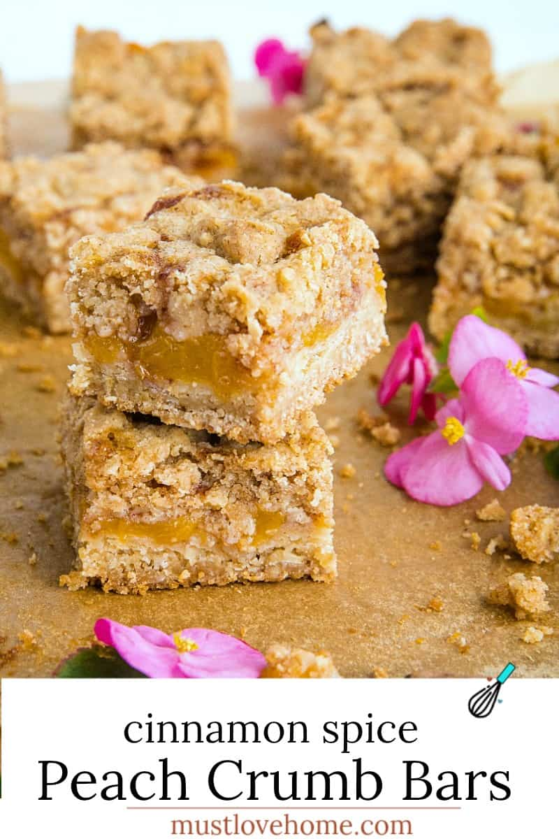 Buttery and decadent, these simple Cinnamon Spice Peach Crumb Bars with oats and spice are just in time for this seasonal fruit. #mustlovehomecooking