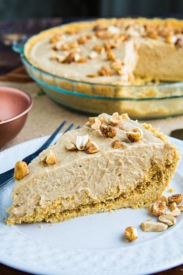 A no-bake Peanut Butter Pie that's richly delicious, fluffy, smooth and couldn't be easier to make. #mustlovehomecooking